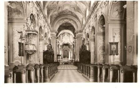 Velehrad - vnitřek baziliky