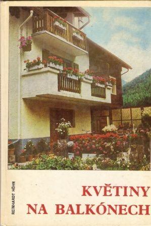 Květiny na balkónech